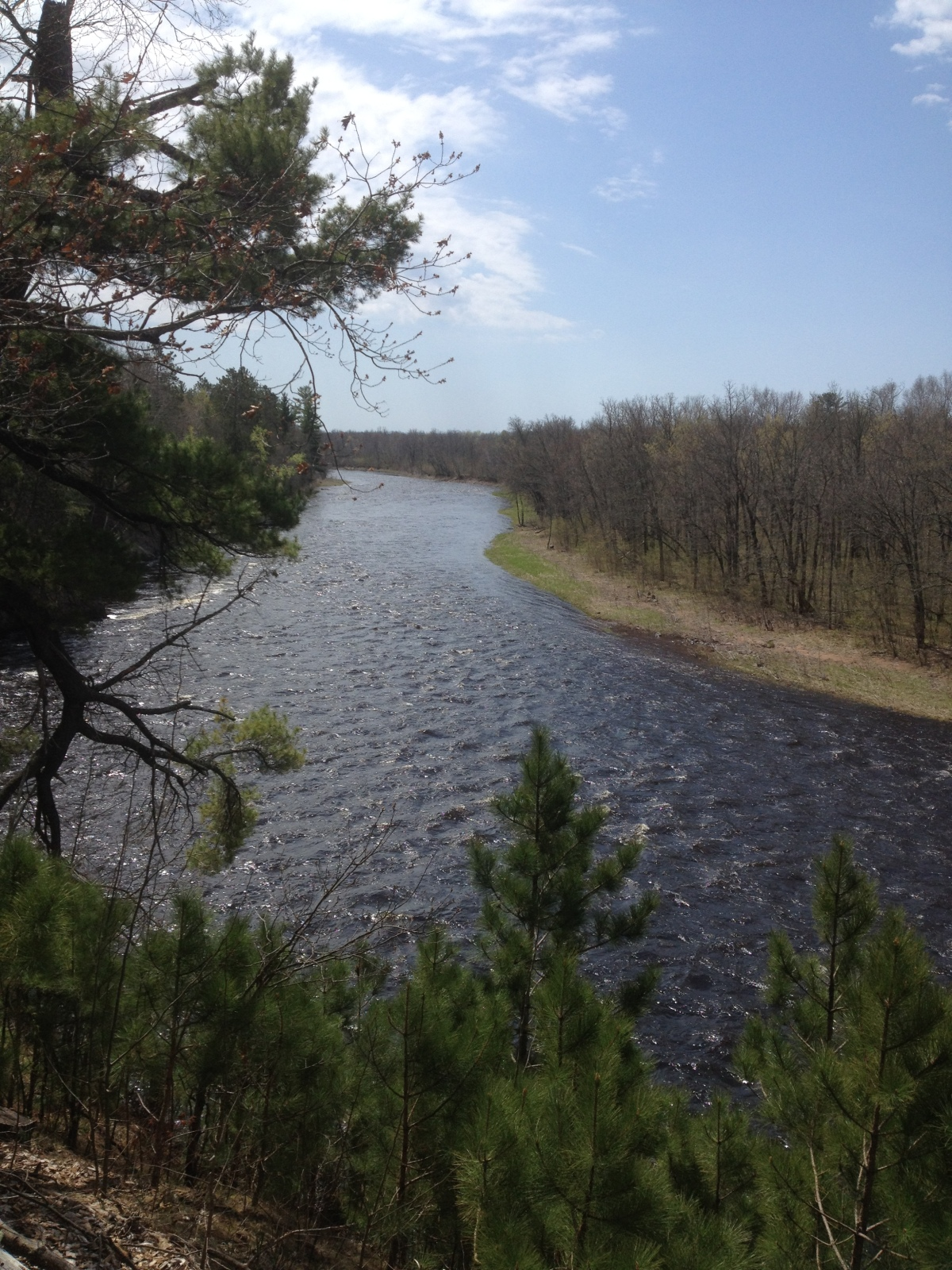 Spring riffles on the Kettle River