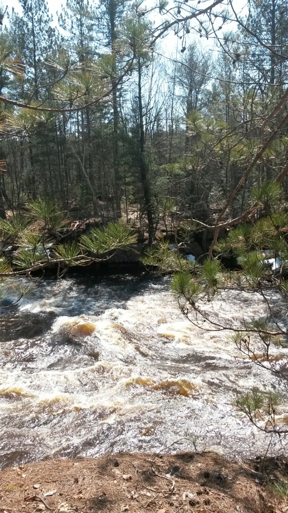 Fast rapids on the Kettle River