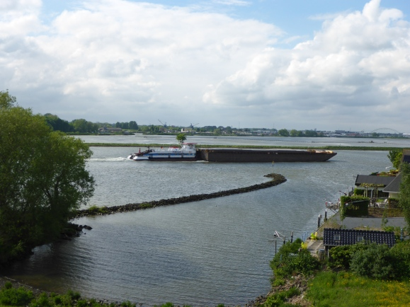 Empty tanker heading towards Rotterdam
