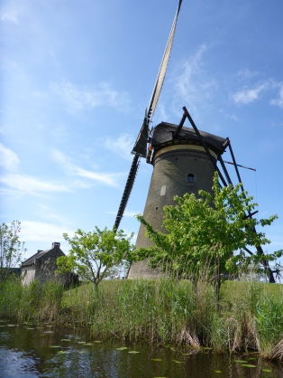 Windmill along the Kinderdijk