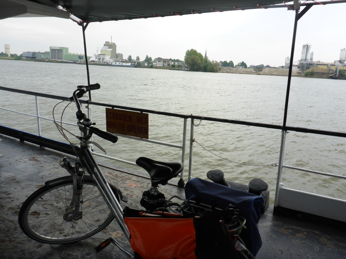 Lek River bike Ferry Boat crossing at Lekkerkerk