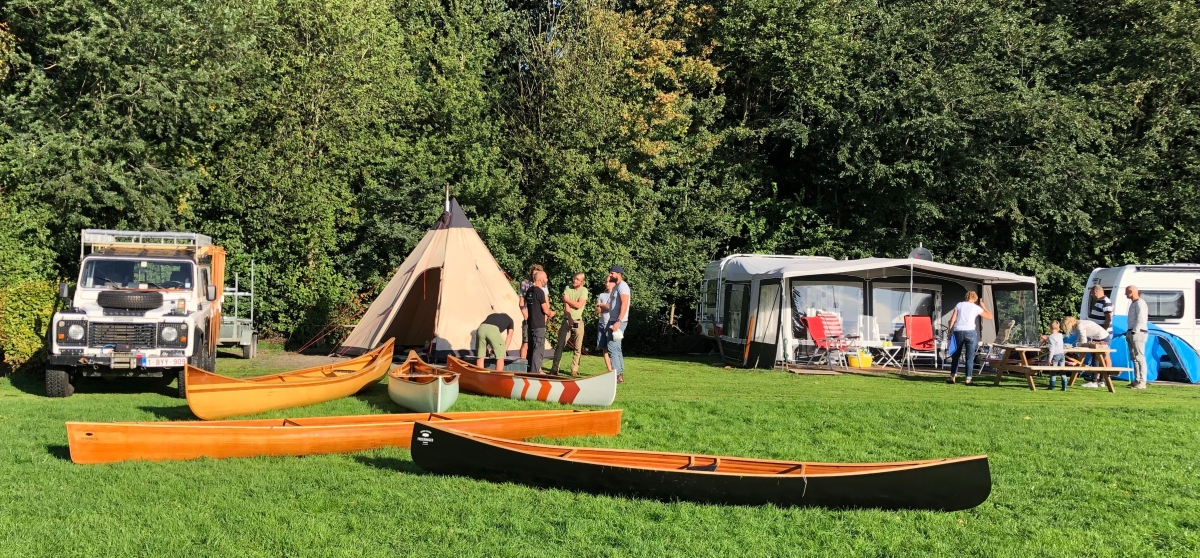 Early Saturday morning FreeRanger Canoe display