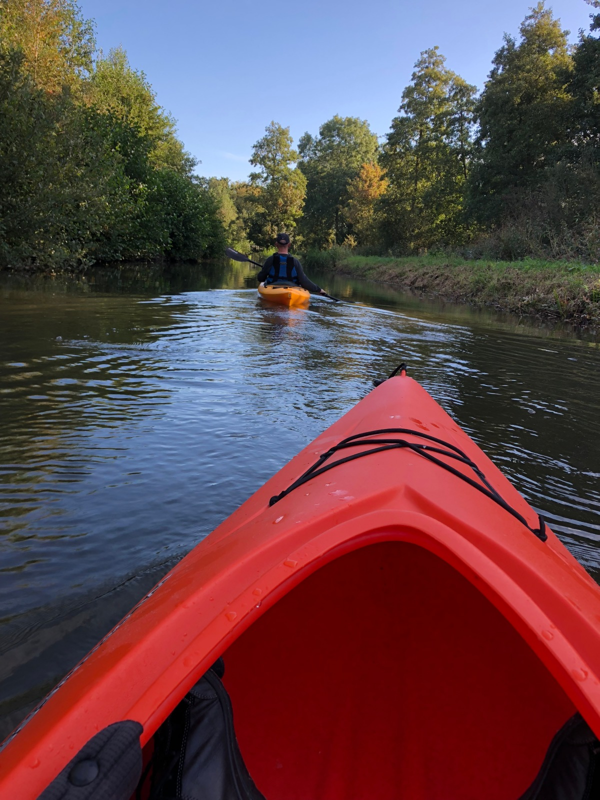 Fall colors, clear sky, quiet waters to explore