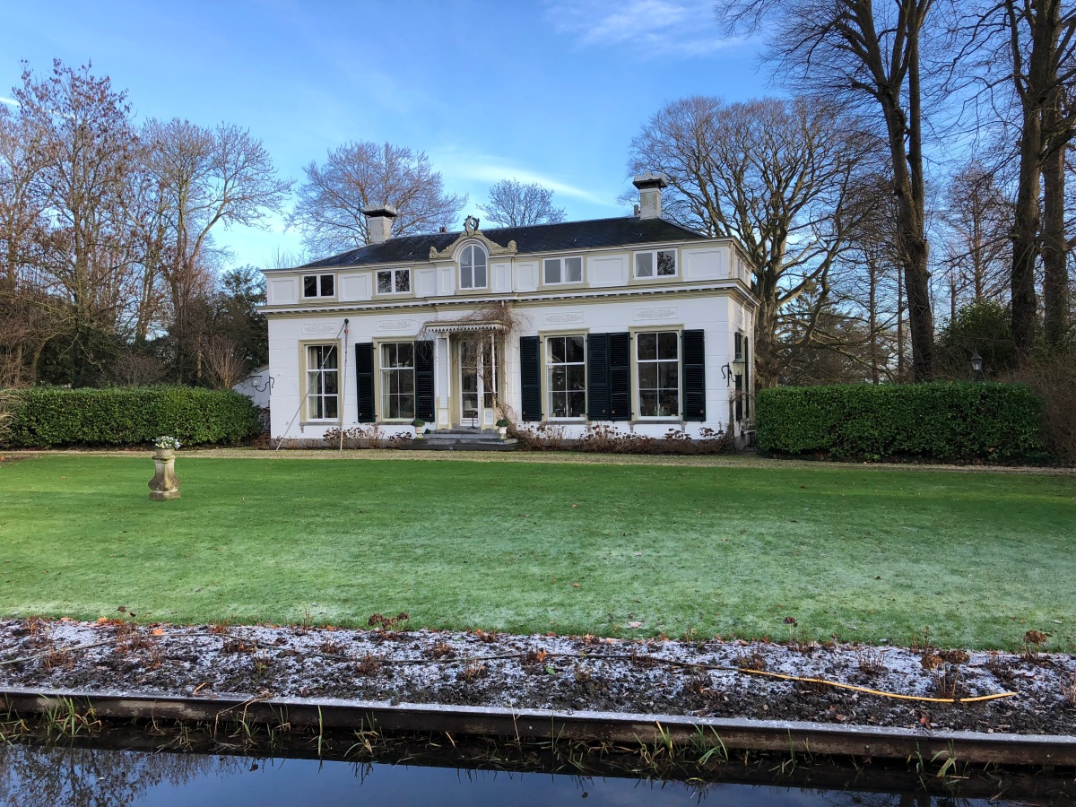 Older mansion along the Vecht