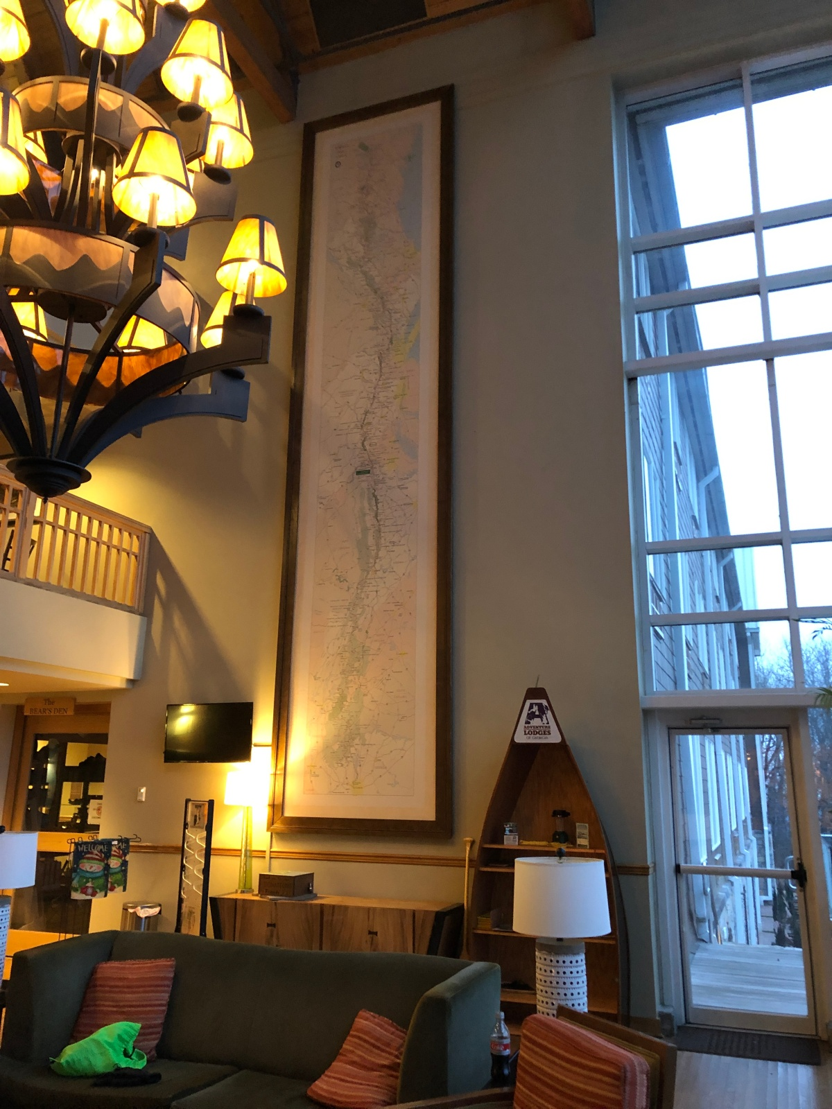 The Lodge lobby with the map of the AT on the wall